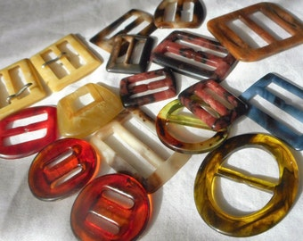 Lot of 17 VINTAGE Marbled Plastic a Couple Sets Buckles  17A