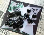 Halloween Collection... BATS! 1940s 50s bakelite fakelite style novelty halloween brooch and optional earrings by Luxulite