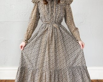 SALE- 1800s Prairie Dress