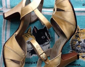 1940's gold satin sandals 5 1/2 A La Valle
