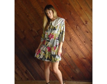 Vtg Floral Print Mini Dress with Bib Collar - 80s - M/L Petite