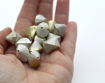 White Gold Silver Faceted Splayed Acrylic Bicone Beads 17mm (12)