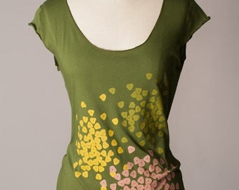 womens shirt, gardening tshirt, gifts for gardeners, farmers market, flower farm