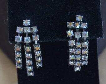 Pretty Vintage Aurora Borealis Rhinestone Dangle Pierced Earrings (C4)