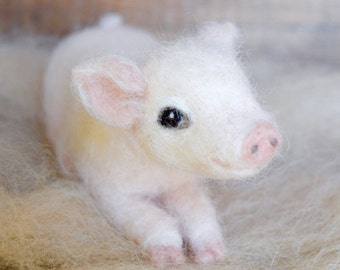Needle Felted Pig Piglet Pink