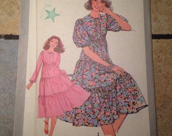 Simplicity 8383 Size 10 Misses' Dress With Full Skirt UNCUT