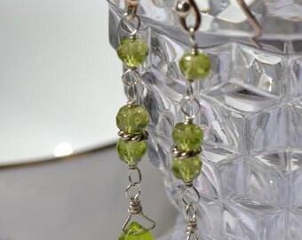 fatdog Earrings - EGD104 Peridot and Sterling Silver Dangles