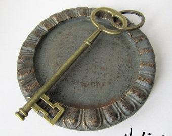 Extra Large Antique Bronze Skeleton Key Keychain