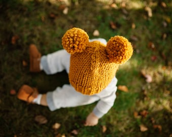 Double Pom Pom Hat // Newborn Pom Pom Hat // Knit Baby Hat // Newborn Photo Prop // Toddler Pom Pom Hat