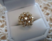 Full of Sparkle Vintage 14kt Yellow Gold and Diamonds Cluster Ring