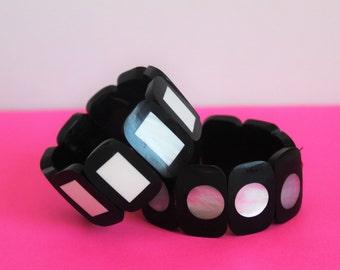2x Vintage Mod Black & White Abalone-Lucite Stretch Bracelets