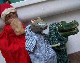 Hand Puppets 5 Hand made Folk Art Santa Clause Mouse Alligator VINTAGE by Plantdreaming
