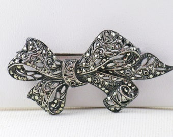 Vintage Silver Tone Marcasite Bow Brooch Pin (B-1-6)