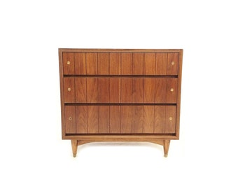 Vintage Mid Century Three Drawer Dresser In Wood