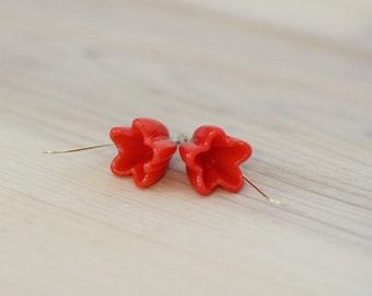 flower earrings, Poppy red flower earring, flower girl earrings, bridesmaid earrings, flower girl jewelry, glass flower earring