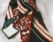 Vintage 1940s Towncraft Deluxe Cravat Abstract Neck Tie, Rust Brown Fall Leaves on Hunter Green