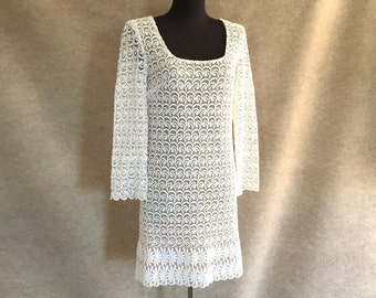Vintage 60's White Lace Dress, MOD Shape with Long Sleeves, Size XS to Small, Bust 32