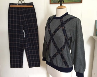 Vintage 1970s Hipster Top & Pants Suit Set Outfit Navy Plaid Pants Matching Grey Gray Long Sleeve Pullover Stretchy Knit Small Medium Petite
