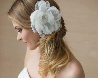 Wedding hair piece Bridal headpiece Wedding hair accessories Wedding headpiece Ivory bridal hair flower Bridal fascinator Oversized large