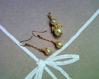 Light Green Pearl Angel Pendant and Earrings (1658)