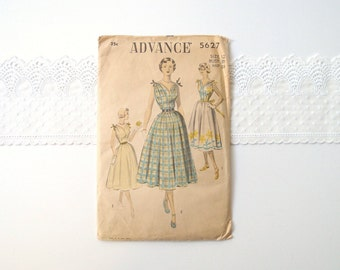 1950s fit and flare dress pattern / Advance 5627 sewing pattern full skirt sundress with gathered blouson bodice ...30 bust F/F