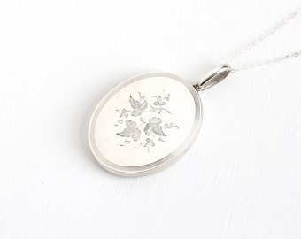 Antique Sterling Silver Victorian Ivy Leaf Locket Necklace - Vintage 1900s Edwardian Nature Inspired Large Pendant Engraved Silver Jewelry