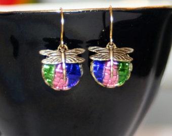 Vintage basket weave reflector glass iris rainbow dragonfly dangle drop earrings