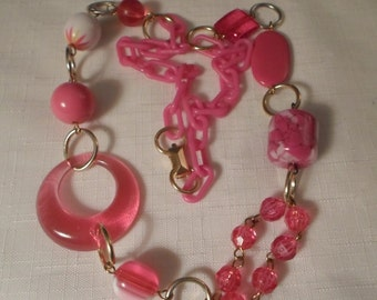 Vintage / ASYMMETRICAL PINK NECKLACE / Choker / Bib / Lucite / Confetti / Marbled / Striped / Designer-Inspired / Retro / Chic / Accessory
