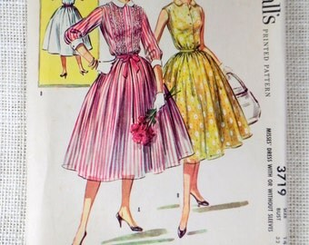 Vintage Pattern McCall's 3719 dress sewing Full skirt shirtwaist collar 1950s Rockabilly Bust 32 Peter pan collar