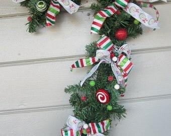 Christmas Wreath, Candy Cane wreath, Christmas Decoration, outdoor Christmas wreath, outdoor door decoration, front door wreath, door wreath