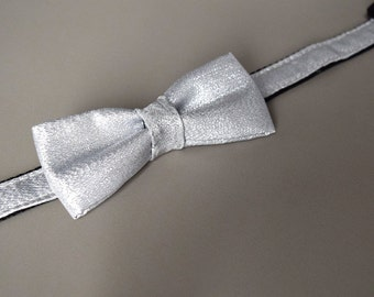 Dog collar with bowtie Size S - Silver