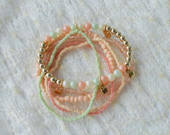 Multicolor Beaded Set of 6 Stretch bracelets Women's Teen's Ghildren's bracelet