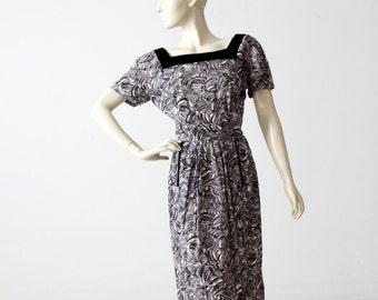 1950s abstract print wiggle dress