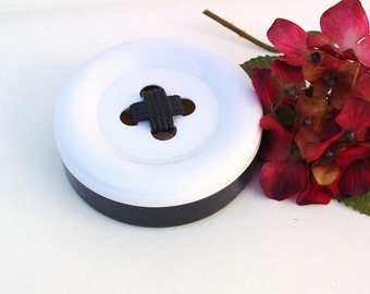 Vintage Travel Sewing Kit, Sewing Box, Large Plastic Button, Button Case, Black White Novelty Button