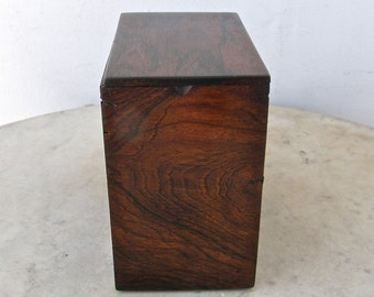 MAHOGANY TEA CADDY Georgian Regency Federal Periods Exceptional Wood Graining Brass Piano Hinge Antique Container English or American 1800's