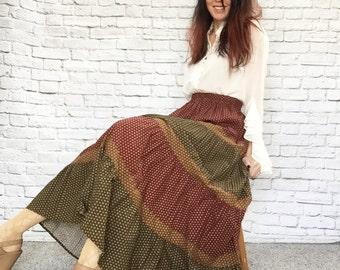 Vintage 90s Tiered Prairie Maxi Broomstick Skirt Bohemian Festival Medallion Print XS S Olive Brick Bronze