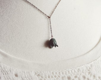 patina tulip lariat necklace.