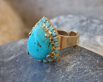Turquoise Teardrop Ring, Gold Ring with Turquoise Stone, Blue Statement Ring, Gold Turquoise Ring, Teardrop ring, December Birthstone Ring
