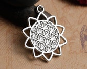 5 Flower of Life Charms in Silver Tone - C2399