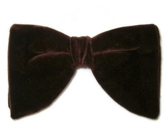 1970s Bow Tie Brown Velvet Bowtie Men's Clip On Tie Vintage Butterfly Bow Tie Velvet Bowtie 70s Brown Bow Tie Clip on Bow Tie Big Bow Tie