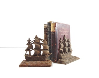 Vintage Bookends / Metal Ship Bookends / Nautical Decor