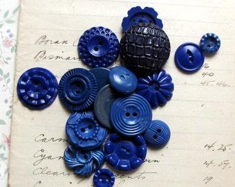 vintage buttons - lot of dark blue flower celluloids - 1930s 1940s retro mix