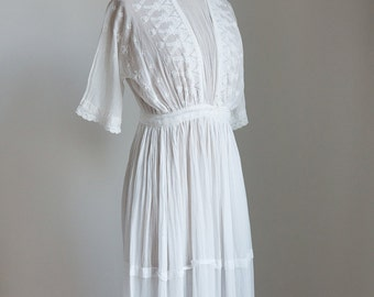 1910s Victorian French white cotton dress