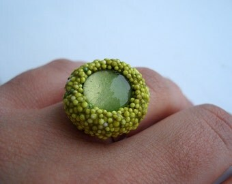 mini poly ring in light green hues - summer compact cocktail ring in vibrant colors