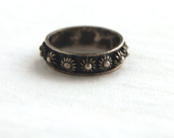 Mexican Ring Size 7 .25 Sterling Silver Sea Urchin Vintage Taxco Mexico Ornate Flower Ring Stackable Stacking Jewelry