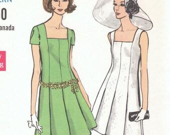 Vintage summer dress pattern -- Vogue 7561