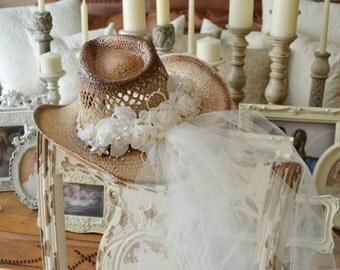 Western wedding Cowgirl hat and veil-western wedding-cowgirl hat-Bridal cowgirl hat-western bride