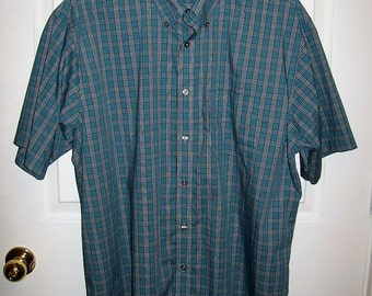 "SAlE 20% Off Vintage Men's Blue Green Plaid Short Sleeve Shirt by Van Heusen Large 16 - 16 1/2"" Neck Now 4 USD"