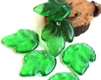 Large Green leaf beads, top drilled czech glass leaves, pressed beads - 21x18mm - 6Pc - 2909