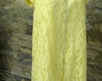 SUNSHINE YELLOW mod SHIFT dress peter pan collar M L